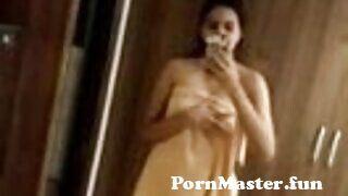 View Full Screen: desi punjabi girl taking off towel.jpg