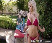 Brazzers - Mommy Got Boobs - Hot StepMom Swims scene starring Ni from samantha xxxxxxxin ni